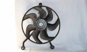 1994-1999 Cadillac Deville Condenser Cooling Fan Assembly