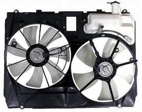 2004-2005 Toyota Sienna Radiator Cooling Fan Assembly (With Towing Package)