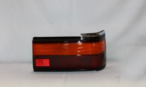 1989-1990 Toyota Camry Tail Light Rear Lamp - Right (Passenger)