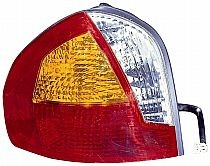 2001-2004 Hyundai Santa Fe Tail Light Rear Lamp - Left (Driver)