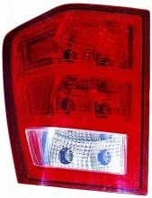 2005-2006 Jeep Grand Cherokee Tail Light Rear Lamp (Grand Cherokee / without Bulbs or Sockets) - Left (Driver)