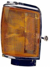 1987-1988 Toyota Pickup Corner Light (4WD / with Chrome) - Right (Passenger)