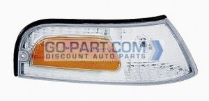 2001-2002 Ford Crown Victoria Parking / Marker Light - Right (Passenger)