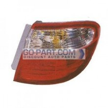 2000-2001 Infiniti I30 Tail Light Rear Lamp - Right (Passenger)