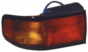 1995-1996 Toyota Camry Tail Light Rear Lamp (Coupe/Sedan / Japan) - Right (Passenger)