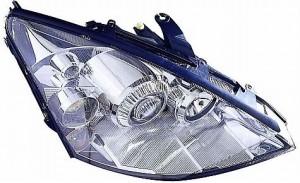 2004-2005 Ford Focus Headlight Assembly - Right (Passenger)