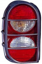 2005-2006 Jeep Liberty Tail Light Rear Lamp - Right (Passenger)