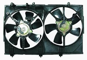 2003-2006 Mitsubishi Outlander Radiator Cooling Fan Assembly