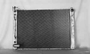 2004-2006 Lexus RX330 Radiator (3.3L V6 / Without Tow Package)