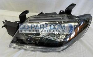 2003-2004 Mitsubishi Outlander Headlight Assembly - Left (Driver)