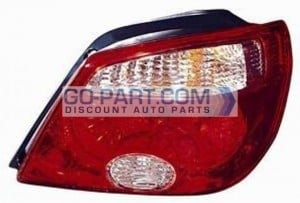 2005-2006 Mitsubishi Outlander Tail Light Rear Lamp (LS / XLS) - Right (Passenger)