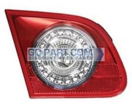 2006-2010 Volkswagen Passat Backup Light Lamp - Right (Passenger)