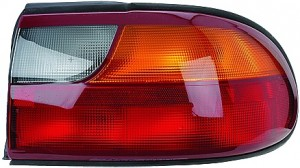 2004-2005 Chevrolet (Chevy) Malibu Classic Tail Light Rear Lamp - Right (Passenger)