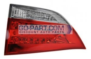 2011-2011 Toyota Sienna Tail Light Rear Lamp - Right (Passenger)