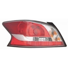 2014 - 2015 Nissan Altima Rear Tail Light Assembly Replacement / Lens / Cover - Left <u><i>Driver</i></u> Side