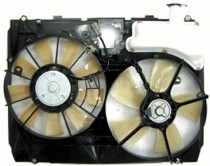 2004 - 2005 Toyota Sienna Radiator Cooling Fan Assembly (With Towing Package)