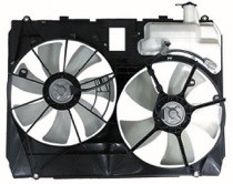 2004 - 2005 Toyota Sienna Radiator Cooling Fan Assembly (Without Towing Package)