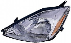 2004-2005 Toyota Sienna Headlight Assembly - Left (Driver)