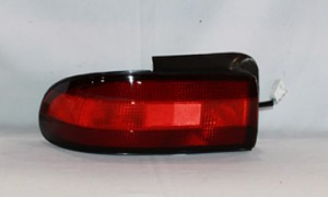 1993-1997 Geo Prizm Tail Light Rear Lamp - Left (Driver)