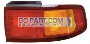 1995-1996 Toyota Camry Tail Light Rear Lamp (Coupe/Sedan / USA) - Right (Passenger)