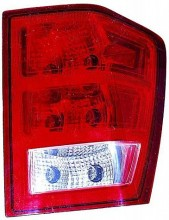 2005-2006 Jeep Grand Cherokee Tail Light Rear Lamp (Grand Cherokee / without Bulbs or Sockets) - Right (Passenger)
