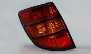 2003-2008 Pontiac Vibe Tail Light Rear Lamp (LS / HSG) - Left (Driver)