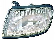 1995-1996 Nissan Maxima Corner Light - Left (Driver)