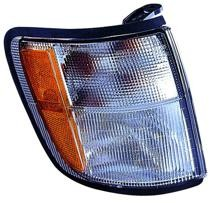 1998 - 2002 Isuzu Trooper + Trooper II Parking + Signal Light Assembly Replacement / Lens Cover - Right (Passenger)