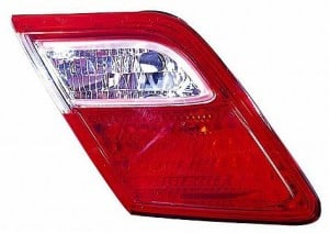 2007-2009 Toyota Camry Inner Tail Light (Inner Brake Lamps / Japan) - Left (Driver)