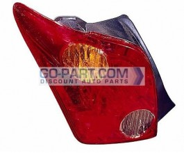 2004-2005 Scion xA Tail Light Rear Lamp - Left (Driver)