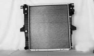 2000-2001 Mercury Mountaineer Radiator (5.0L V8)
