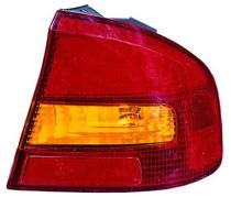 2000 - 2004 Subaru Outback Rear Tail Light Assembly Replacement / Lens / Cover - Right (Passenger)