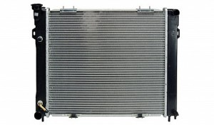 1993-1997 Jeep Grand Cherokee Radiator (4.0L L6 / Clip Mount Fan Shroud)