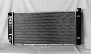 1999-2000 Cadillac Escalade EXT Radiator (5.7L V8 / With EOC / 1 1/4-inch Core)