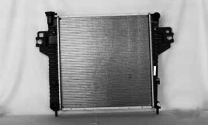 2002-2006 Jeep Liberty Radiator (2.4L L4 / 2.8L L4)