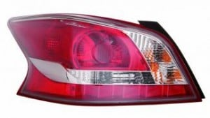 2013-2013 Nissan Altima Tail Light Rear Lamp - Left (Driver)