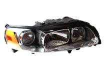 2005 - 2007 Volvo V70 Headlight Assembly (Halogen) - Right (Passenger)