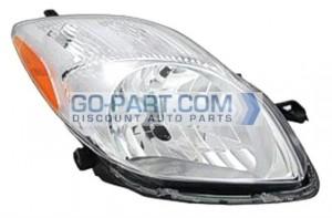 2009-2011 Toyota Yaris Headlight Assembly - Right (Passenger)