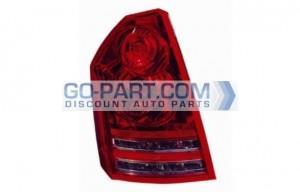 2008-2009 Chrysler 300 / 300C Tail Light Rear Lamp - Left (Driver)