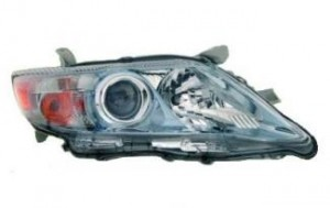 2010-2011 Toyota Camry Hybrid Headlight Assembly (USA Built) - Right (Passenger)