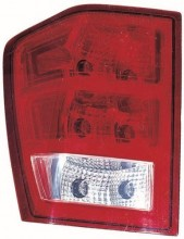 2005 -  2006 Jeep Grand Cherokee Rear Tail Light Assembly Replacement / Lens / Cover - Left (Driver) Side