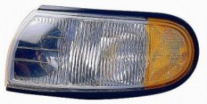 1996-1998 Nissan Quest Van Parking / Marker Light - Left (Driver)
