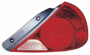 4 Door; Sedan Right for 2004-2006 Kia Spectra Rear Tail Light Lamp Assembly // Lens // Cover Side - Passenger Go-Parts 92402 2F020 KI2801123 Replacement 2005