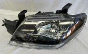 2003-2004 Mitsubishi Outlander Headlight Assembly - Left (Driver)
