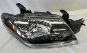 2003-2004 Mitsubishi Outlander Headlight Assembly - Right (Passenger)