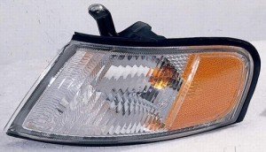 1998 - 1999 Nissan Altima Parking Light Assembly Replacement / Lens Cover - Left (Driver) Side