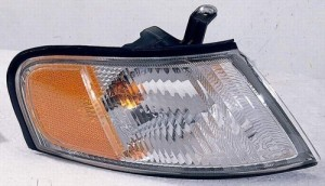 1998 - 1999 Nissan Altima Parking Light Assembly Replacement / Lens Cover - Right (Passenger) Side