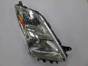 2004 -  2005 Toyota Prius Front Headlight Assembly Replacement Housing / Lens / Cover - Right (Passenger) Side