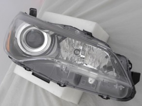 2015 -  2016 Toyota Camry Front Headlight Assembly Replacement Housing / Lens / Cover - Right (Passenger) Side - (Hybrid SE Gas Hybrid + SE + Special Edition + XSE)