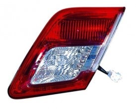2010 - 2011 Toyota Camry Rear Tail Light Assembly Replacement / Lens / Cover - Right (Passenger) Side Inner